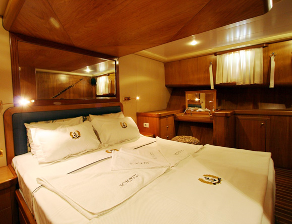 Master cabin queen sized bed detail